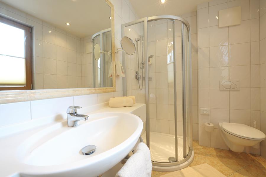 Doppelzimmer und Einzelzimmer für Ihre Busreise - Hotel für ...